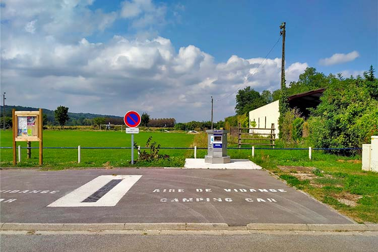 Ressons-le-long-aire-camping-cars-[AirePark]1